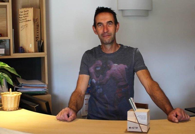 Fabrizio Zadra, proprietario dell'agriturismo I Colori di Casez